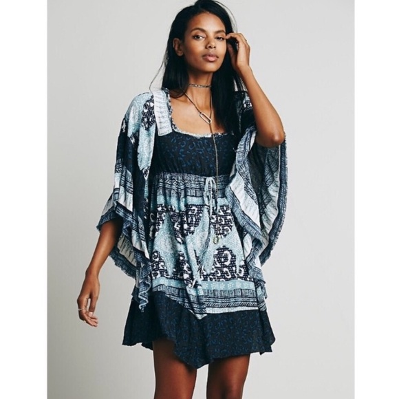 Free People Dresses & Skirts - Free People Heart Of Gold Butterfly Sleeve Dress